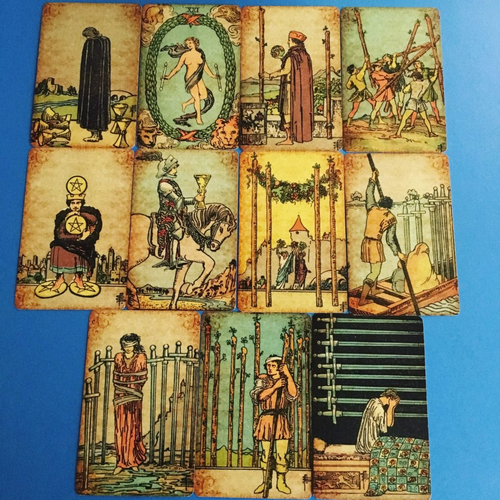 Tarot and Lenormand Card Readings and tips on Instagram